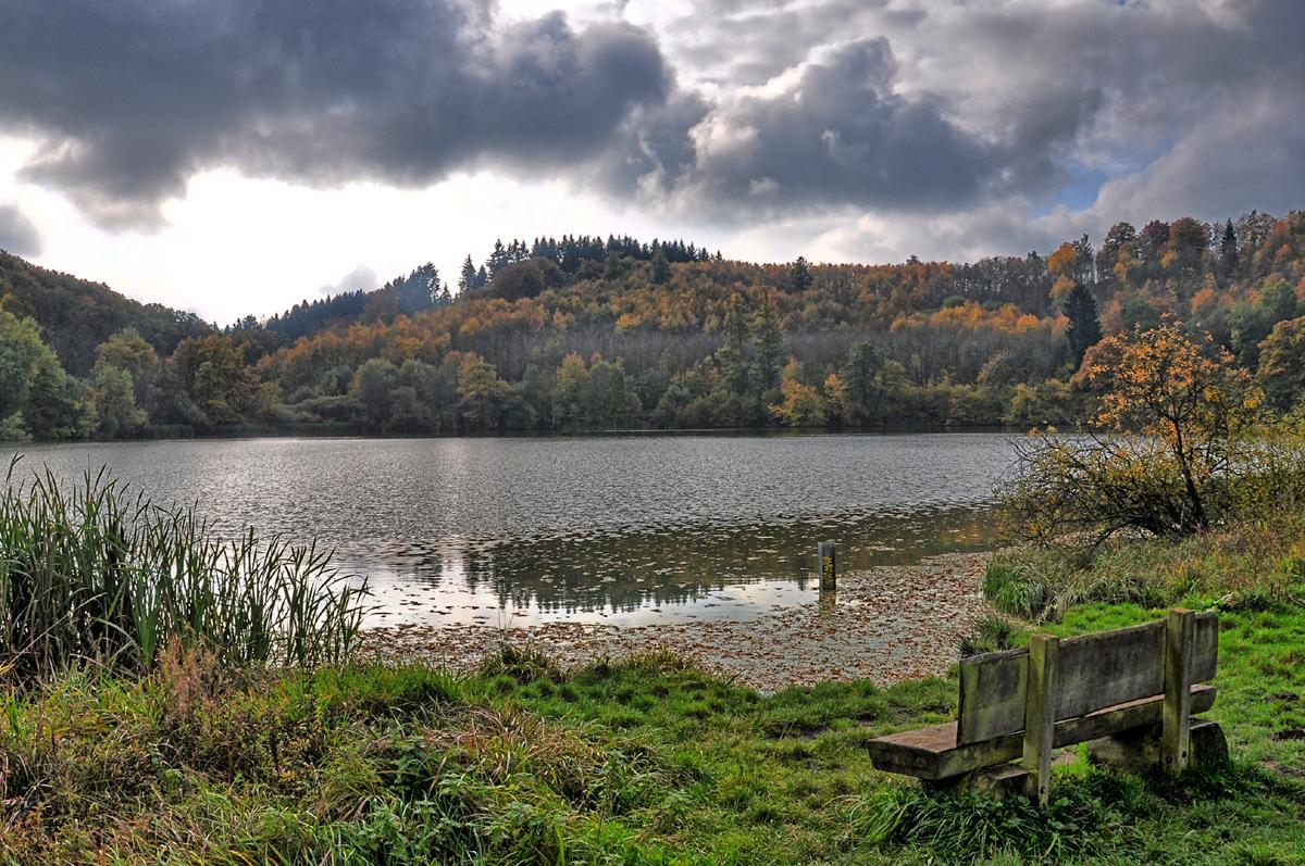 Drei Maare, ein Määrchen und das Tal des Tiefenbachs